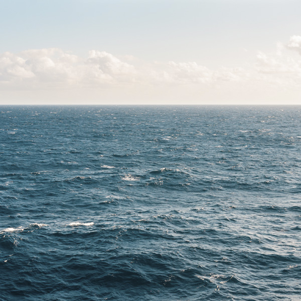 landscape-photograph-of-body-of-water-1001682_qu